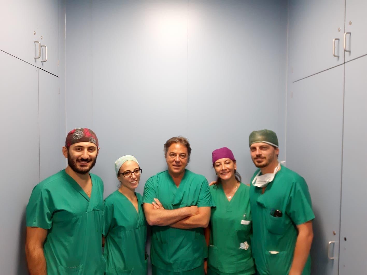 """Monaldi, intervento mini invasivo in 3D in paziente cardiotrapiantata 15enne. Di Mauro: """"L'Azienda Ospedaliera dei Colli pionieristica nella chirurgia laparoscopica"""""""