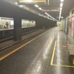 Metro, il sindaco prova i nuovi treni mentre i vecchi lasciano a piedi gli utenti