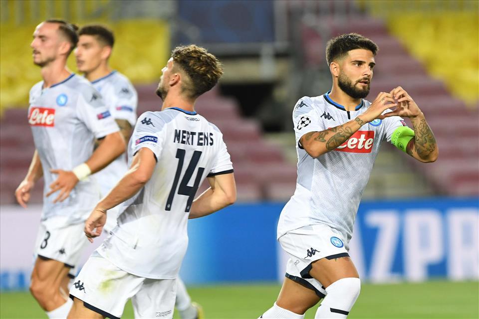 Napoli fuori dalla Champions a testa alta, la sfortuna e le sviste arbitrali non lasciano ancora tregua ai partenopei