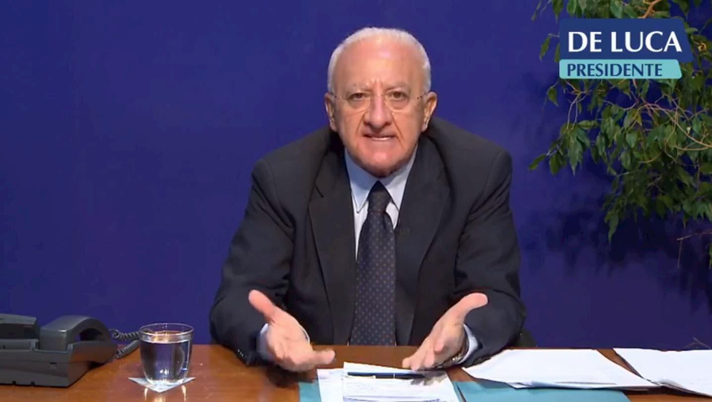 Covid, De Luca firma la nuova ordinanza: misure prorogate fino al 13 novembre