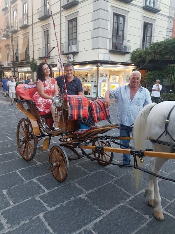 Il bel canto in carrozza in giro per Sorrento