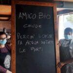 """Amico bio, allagato il ristorante a Mergellina: """"Chiudiamo perché il Comune fa acqua da tutte le parti"""""""