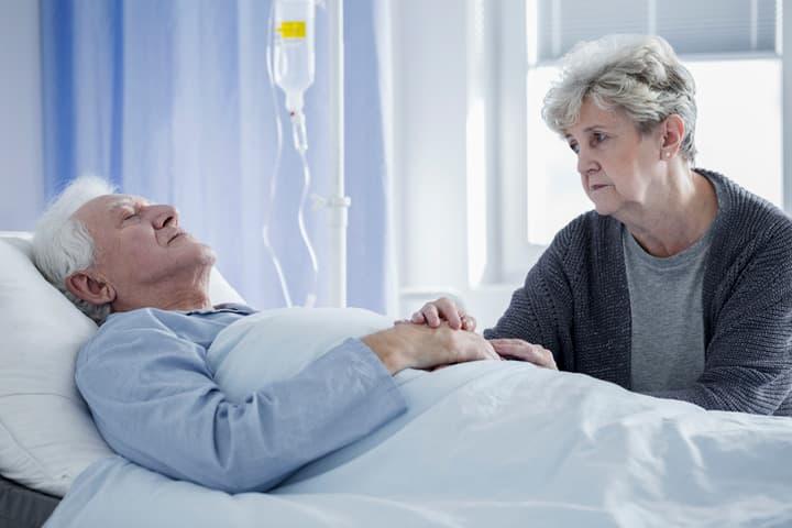"""Montrone, il pioniere della Terapia del dolore: """"Non distruggete il centro del Cardarelli"""""""