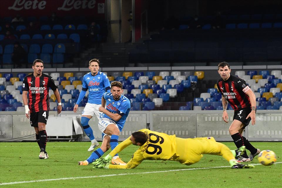 Napoli-Milan: 1-3 gli azzurri puniti da Zlatan ma sono troppo gli errori dei ragazzi di Rino