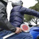 Napoli, via Foria: quattro chili di hashish nella borsa del delivery. Arrestata coppia con un complice