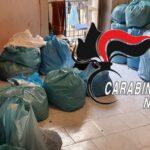 Forcella, scoperto locale con oltre 600 capi contraffatti