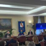 Covid in Campania, riunione in Regione: sulla riapertura delle scuole si decide lunedì