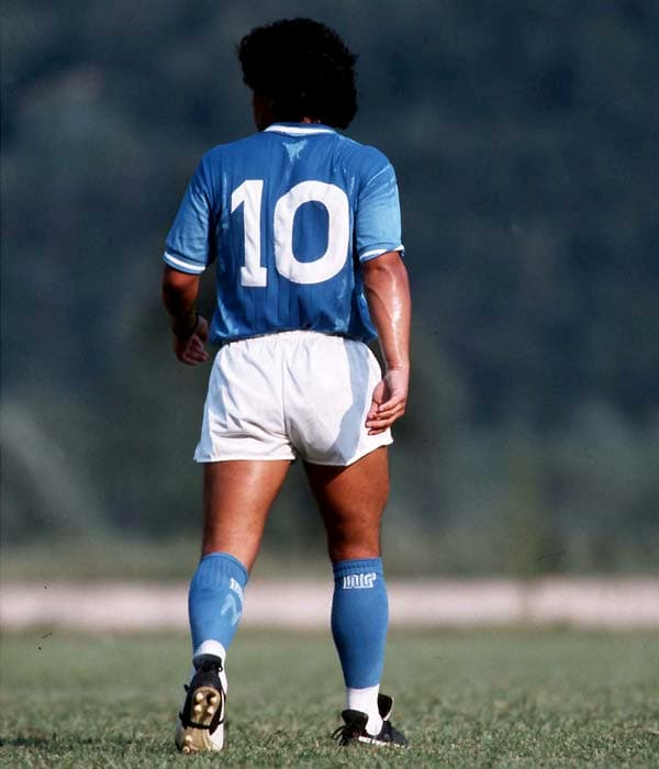 L'uomo che ci ha fatto innamorare del calcio e ha tolto la palla ai ricchi