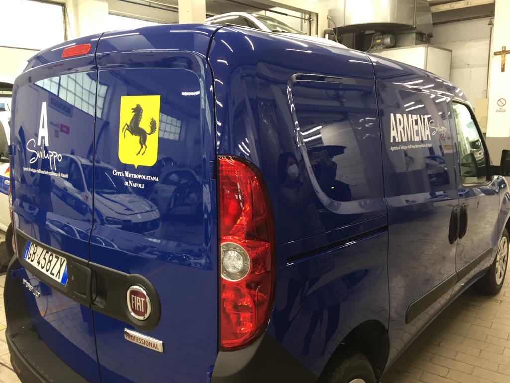 Armena, 24 nuovi veicoli per la manutenzione delle scuole di Napoli e provincia
