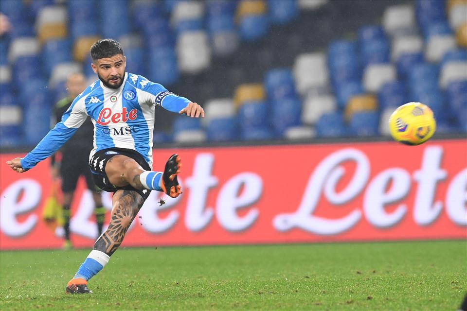 Primo pari in campionato per il Napoli, la riacciuffa Insigne in extremis dopo una brutta prestazione della squadra