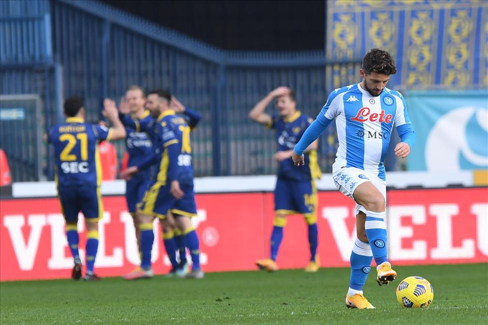 Illusione Napoli: vantaggio immediato di Lozano, poi la squadra si sgretola subendo la sesta sconfitta in campionato