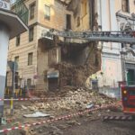 """Il crollo """"annunciato"""" in piazza Cavour"""