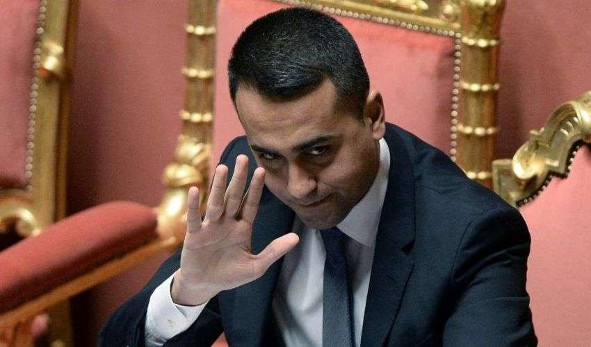 """Tutto il repertorio di Di Maio contro i cambi di casacca e i """"responsabili"""""""
