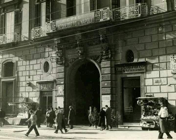 Piazza Dante e gli umori della città