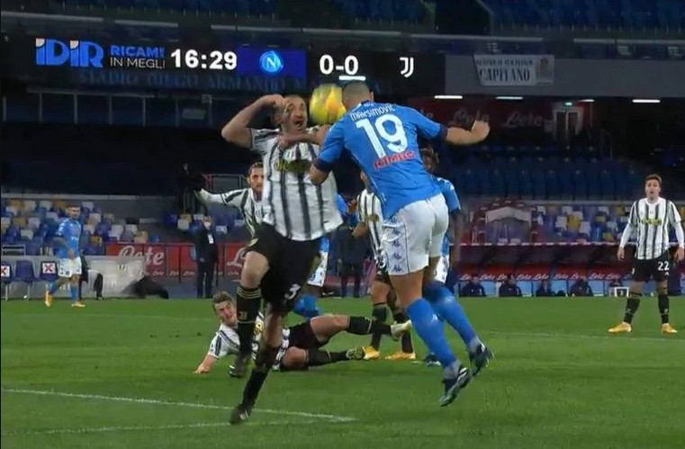VIDEO: Caressa e Bergomi commentano il fallo di Chiellini…