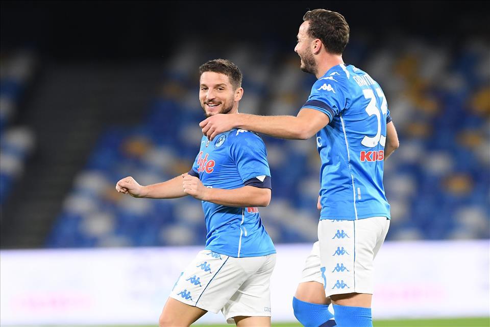 Il Napoli ritrova Dries e si aggiudica il derby