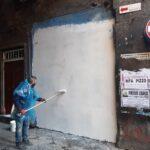 Napoli, rimosso il murale in via dei Tribunali