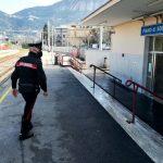 Piano di Sorrento, rapina la biglietteria Eav ma viene arrestato grazie a un carabiniere che lo vede dal balcone