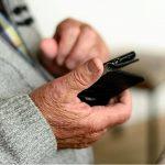 Truffa del pacco al Vomero: l'anziano non ci casca e li denuncia