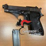 Quartieri spagnoli, controlli a tappeto dei Carabinieri: denunciati 6 parcheggiatori abusivi, sanzionate 23 persone, rinvenuta una pistola