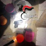 Quartieri spagnoli e Centro Storico: controlli a tappeto dei Carabinieri. In un bussolotto per uova di Pasqua una pistola e 12 proiettili