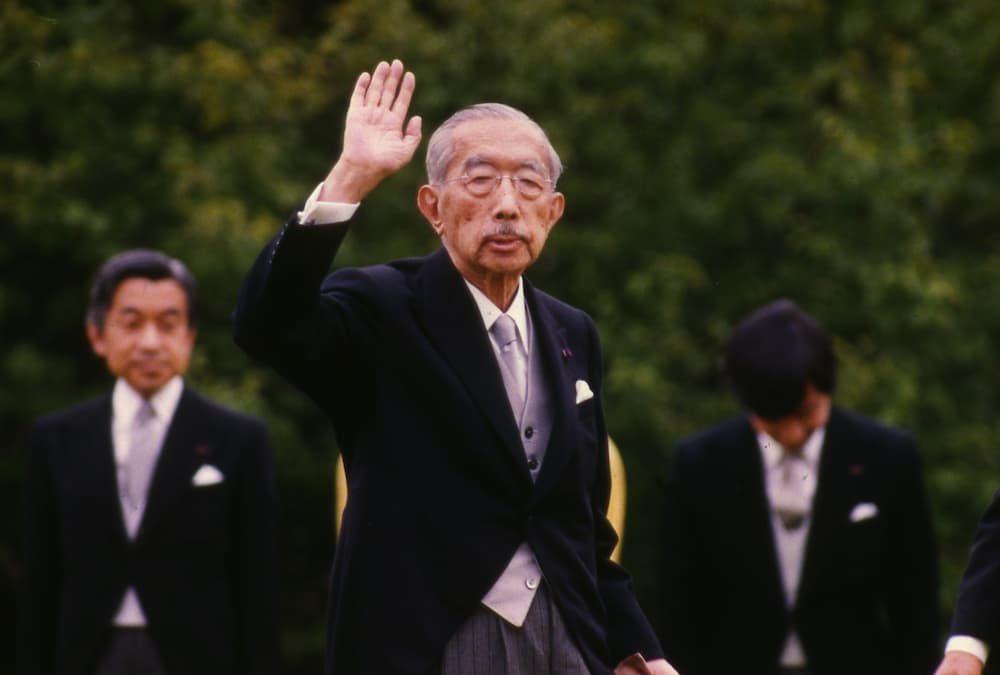Hirohito e le foto di Napoli. Maffettone unico giornalista ammesso al Palazzo imperiale
