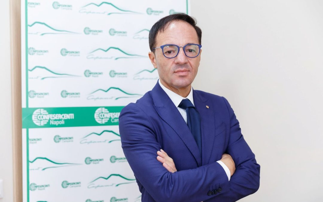 """Obbligo green pass, Confesercenti Campania: """"Migliaia di aziende a rischio chiusura"""""""