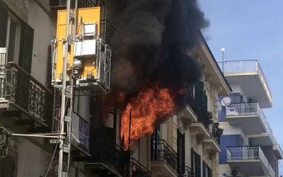 (Video) Vomero, incendio in via Merliani