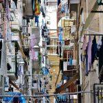 Quartieri Spagnoli, tenta di rapinare una turista: arrestato