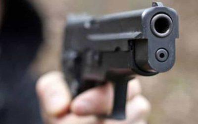 Arenella, rapinano due ragazze in un appartamento minacciandole con una pistola: arrestati