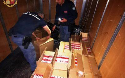 Secondigliano, sorpresi con 250 kg di tabacchi lavorati esteri: due arresti